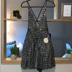 NWT BLACK SEQUIN DRESS SIZE M